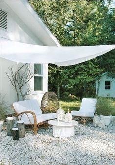 White Garden Furniture: White Garden Space