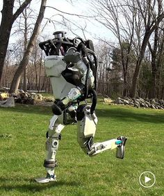 boston dynamics' robots are running and walking all by thems.-boston dynamics' robots are running and walking all by themselves boston dynamics' robots are running and walking all by themselves - Robotics Engineering, Robotics Projects, Science And Technology News, Robot Technology, I Robot, Robot Art, Get Down On It, Military Robot, Robotics Companies