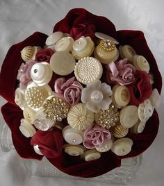 Button Floozies gorgeous button bouquet crafting with buttons...