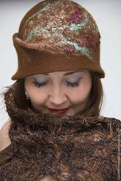 Комплект: валяная шапка и шарф крейзи-вул Мятный чай - Марина Власенко - Ярмарка Мастеров