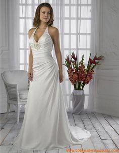 Robe col au cou en satin ornée de plis et de broderies robe de mariée simple