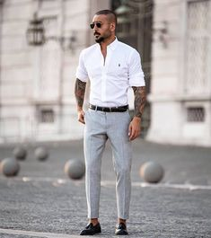 outfit formal y casual Mens Smart Outfits, Casual Outfits, Men Casual, Mode Man, Formal Men Outfit, Business Casual Attire, Mens Dress Pants, Men With Street Style, Zara Man