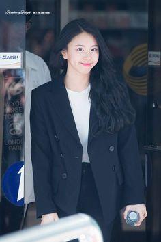 Twice-Chaeyoung 180420 KBS Music Bank