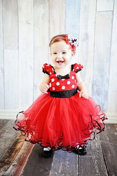 MINNIE MOUSE dress TUTU Party Dress in Red Polka Dots super twirly dress Birthday party baby costume by loverdoversclothing on Etsy Disfraz Minnie Mouse, Red Minnie Mouse, Minnie Mouse Costume, Baby Girl Dresses, Baby Dress, Flower Girl Dresses, Girl Outfits, Dress Girl, Baby Kostüm