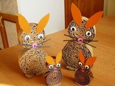 cool Easter bunny's I wonder if im right! Spring Crafts For Kids, Diy For Kids, Kids Crafts, Craft Projects, Easter Activities, Art Activities, Cardboard Crafts, Paper Crafts, Chicken Crafts