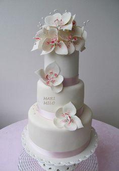 Wedding Cakes on Pinterest | Wedding cakes, Clarks and Mini Cakes