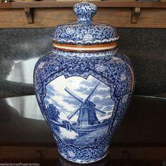 VILLEROY & BOCH Flow Blue & White Ginger Jar, BONN c 1920 (own collection)