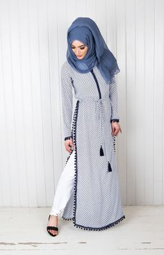 Muslim women abaya dress and Hijab emb Islamic Fashion, Muslim Fashion, Modest Fashion, Fashion Dresses, Modest Wear, Modest Dresses, Modest Outfits, Moslem, Mode Abaya