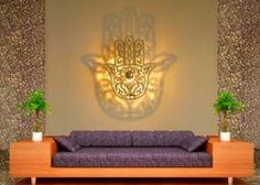 luminaire main de fatma en effet miroir , applique luminaire design concept 5D avec ombre portée au mur . crée par SAINT YORK DESIGN
