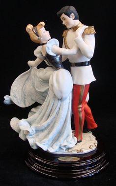 Giuseppe Armani Figurine: Cinderella and the Prince #10 : Lot 712