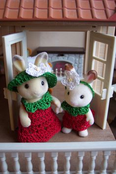 Sylvanian Families Calico Critters Maple Town Made to Order Mum & Daughter Outfits