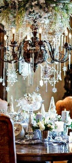 Beautiful way to Decorate Your Chandelier for Christmas~❥