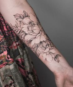 New Tattoo Quotes Girls Arm Tatoo Ideas Peony Flower Tattoos, Flower Tattoo On Side, Peonies Tattoo, Flower Tattoo Designs, Tattoo Girls, Quote Tattoos Girls, Girl Tattoos, Quotes Girls, Tattoo Quotes