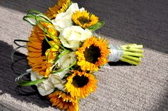 Sunflower bridal bouquet. Photo by Tamsyn Hayward Photography