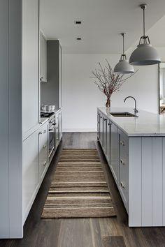 Keuken met spoeleiland - 79ideas grey kitchen Clean and Elegant Sidney House