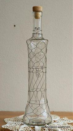 odrôtovaná flaška - čierna drotárka