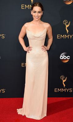 Emmys 2016: Best Dresses of the Night - Emilia Clarke in Atelier Versace