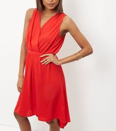 Dance 'til you drop with our party dresses for women. From glitzy going out dresses to elegant party dresses for women, shop your favourites at New Look. Women's Evening Dresses, Going Out Dresses, Chic Dress, Dress Collection, New Dress, New Look, Fashion Online, Party Dress, Wrap Dress