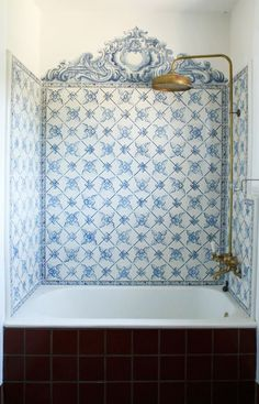 We love Portuguese tiles ('azulejos') and they work well with the gold taps and shower head. House Design, White Tiles, Interior Design, House Interior, Bathrooms Remodel, House, Home, Beautiful Bathrooms, Home Decor