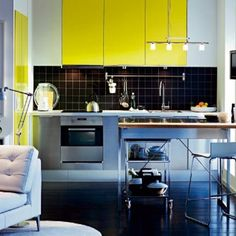 1000 images about on est tous jaune et noir fa on chocolat sur lit aux po - Cuisine jaune et noir ...