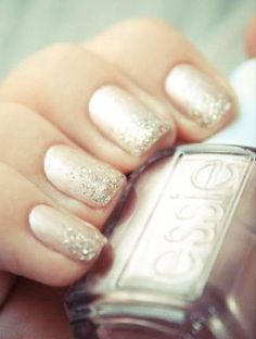 Our 8 Favorite Wedding Nails! Love this pink champagne sparkly nail for the bride. #pinkwedding #weddingnails
