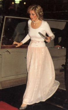theprincessdianafan2's blog - Page 530 - Blog sur Princess Diana , William & Catherine et Harry - Skyrock.com ........ didn't want to erase the info. Diana looks beautiful as usual