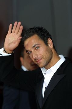Bova, The one with whom all others will be measured!Raoul Bova, The one with whom all others will be measured! Raoul Bova, Most Beautiful Man, Gorgeous Men, Beautiful People, Italian People, Italian Men, James Dean, Aaron Diaz, Men And Babies