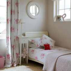 Modern Country Style: Easy Guide To Using Florals In A Modern Country Girls Bedroom
