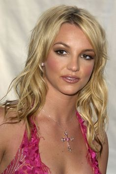 Britney Spears Get premium, high resolution news photos at Getty Images 2000s Makeup, Britney Spears News, Britney Jean, Shades Of Blonde, American Music Awards, Female Singers, Celebrity Singers, Makeup Trends, My Idol