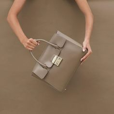 Attention grabber ~ Furla Metropolis Satchel #furlafeeling #furlametropolis #fashion #bag
