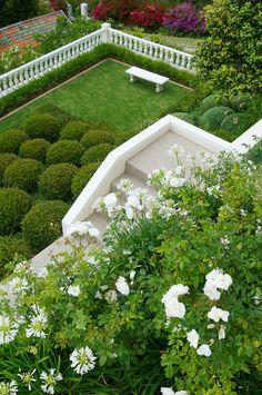 A once steeply sloping site overlooking False Bay and the Hottentots Holland Mountains has been transformed into a manicured, terraced garden that makes as much Terraced Garden, Garden Types, Contemporary Garden, Public Garden, Outdoor Living, Outdoor Decor, Cape Town, South Africa, Holland
