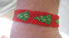 FREE SHIPPING Christmas Tree Friendship Bracelet by SaxophoneChick, $7.00