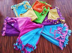 HEDERVIGA / NOVINKA ! Farebná teplučká cestovná deka s iniciálami... zahreje každého! Fleece Decke