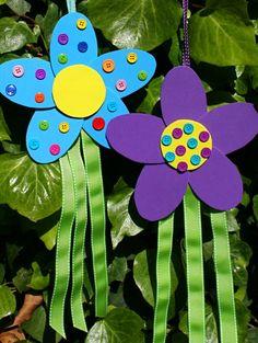 It's new craft kit time - Flower Streamers! Daycare Crafts, Classroom Crafts, Spring Activities, Art Activities, Kindergarten Art, Preschool Crafts, Art For Kids, Crafts For Kids, Spring Art