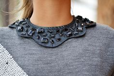 Detailed collar