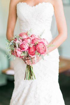 Garden rose bouquet: http://www.stylemepretty.com/california-weddings/los-angeles/2015/02/09/glamorous-fig-house-wedding/ | Photography: Honey Honey - http://www.hoooney.com/
