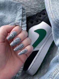 Matte Acrylic Nails, Acrylic Nails At Home, Grey Nail Designs, Almond Nails Designs, Edgy Nails, Grunge Nails, Bandana Nails, Long Press On Nails, Grey Nail Art