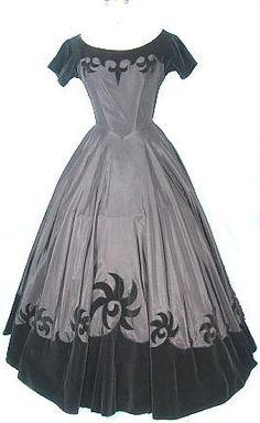 1950's Black taffeta and velveteen ballgown