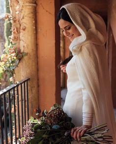 """Kiwo on Instagram: """"Marta ❤️ Novias de inviernos maravillosas #noviaskiwo2019 #bodas #noviasdeinvierno"""" Winter Wedding Inspiration, Instagram, Fashion, Vestidos, Winter Bride, Weddings, Boyfriends, Studio, Moda"""