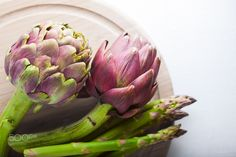 Steamed Asparagus with White Bean and Artichoke Aioli Arthritis Remedies, Herbal Remedies, Natural Remedies, Roasting Garlic In Oven, Aioli Recipe, Spring Treats, Artichoke Hearts, Oven Recipes, Vegetables
