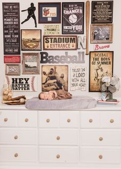 Vintage Baseball Nursery Design A vintage baseball themed nursery makeover complete with full baseba Vintage Baseball Nursery, Baseball Room Decor, Baseball Theme Nursery, Sports Themed Nursery, Boys Baseball Bedroom, Vintage Sports Decor, Vintage Nursery Boy, Vintage Decor, Atlanta Braves