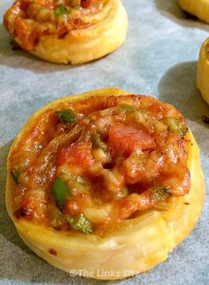 These yummy Pizza Pinwheels will be the perfect appetizer for your next party! thelinkssite.com