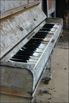 Something not a lot of people know about me that I love to play the piano and sing I've actually written 4 songs with lyrics.