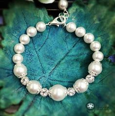 Hey, I found this really awesome Etsy listing at https://www.etsy.com/listing/114274898/bridal-pearl-bracelet-bridesmaid-gift