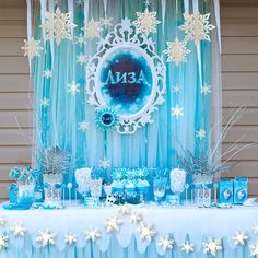 Online Shop Frozen White Blue Birthday Party Kits Supplies Paper Snowflakes Garland For Winter Party Home Scene New Year Decoration Blue Birthday Parties, Frozen Themed Birthday Party, Disney Frozen Birthday, Cake Birthday, Girl Birthday, Birthday Ideas, Frozen Birthday Decorations, Frozen Table Decorations, Blue Party Decorations