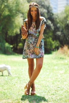 cute spring outfit. Dress and wedges!!!
