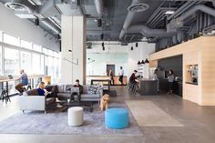 Bench Accounting Office Interiors / Perkins+Will – Modern Corporate Office Design Corporate Office Design, Modern Office Design, Corporate Interiors, Workplace Design, Office Interior Design, Interior Design Services, Office Interiors, Office Designs, Corporate Offices