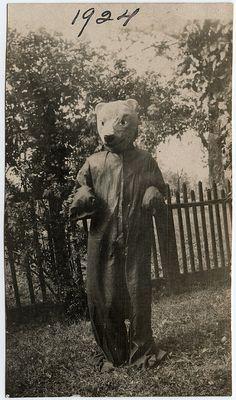 Bear. 1924. #photography