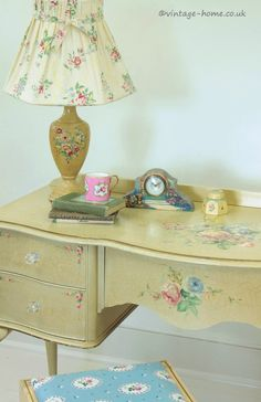 Vintage Home Shop - Beautiful 1940s Hand Painted Floral Lady's Boudoir Desk: www.vintage-home.co.uk