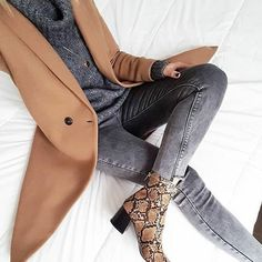 Winter look - Casual Outfits, Cute Outfits, Fashion Outfits, Fashion Trends, Fashion Design, Winter Looks, Fall Winter Outfits, Autumn Winter Fashion, Fall Fashion